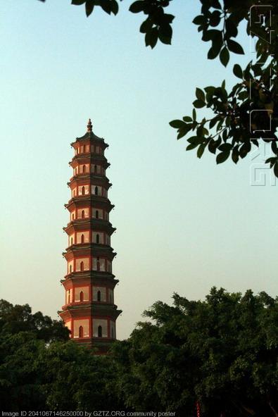 莲花塔是八角形的楼阁式砖塔
